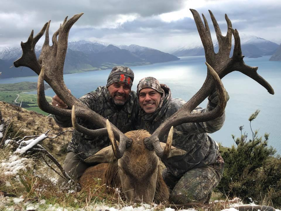 Red Stag Hunt. Glen Dene Hunting & Fishing New Zealand